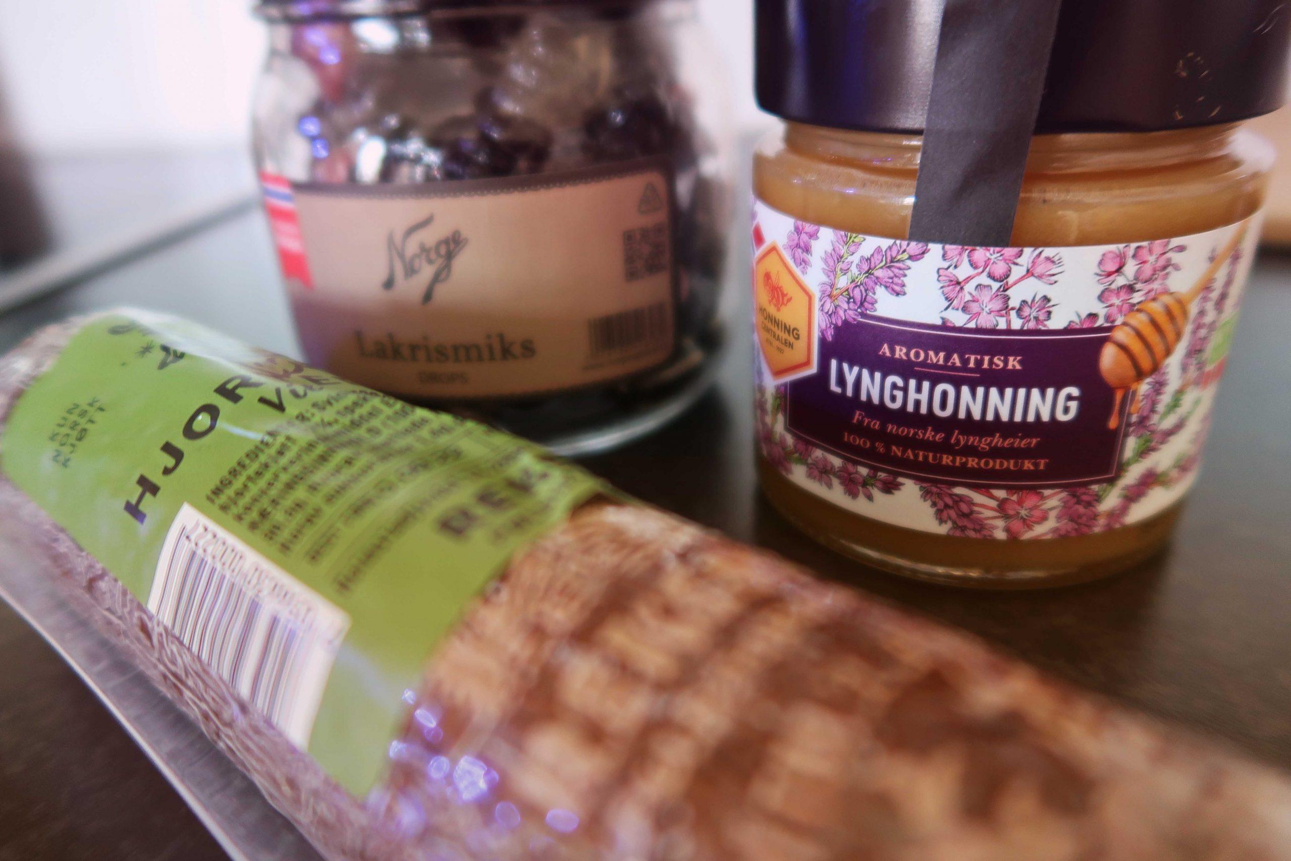 Lakritskarameller, honung med smak av ljung och en viltkorv fick hänga med hem.